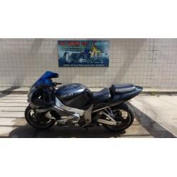 01 SUZUKI GSXR 1000 GSXR1000 FOR PARTS CLN